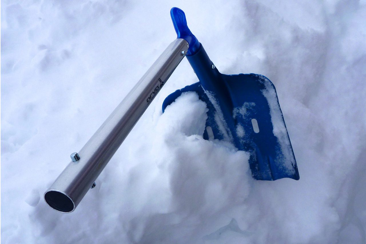 pelle-shovel-arva-ovo-axe-snow-test_4